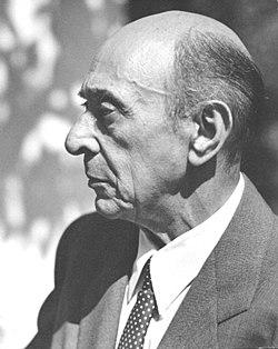 250px-Arnold_Schoenberg_la_1948
